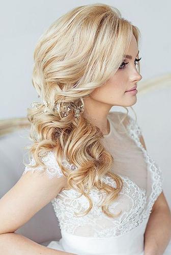 Coiffure De Mariage   Description   Featured Hairstyle: Elstile; www.elstile.com      flashmode.be/coiffure-de-mariage-featured-hairstyle-elsti…  Posté par flashmode.be  sur 2018-05-22 08:30:20      Tagged:    …