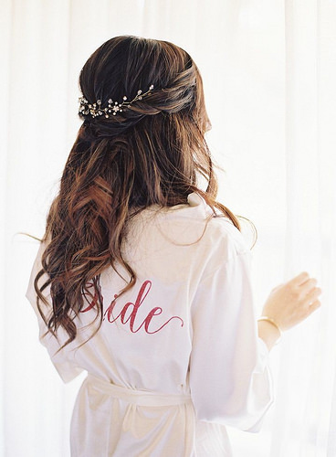 Coiffure De Mariage   Description   Featured Photographer: Caroline Tran; Wedding hairstyles ideas.      flashmode.be/coiffure-de-mariage-featured-photographer-ca…  Posté par flashmode.be  sur 2018-09-23 18:31:06      Tagged:    …