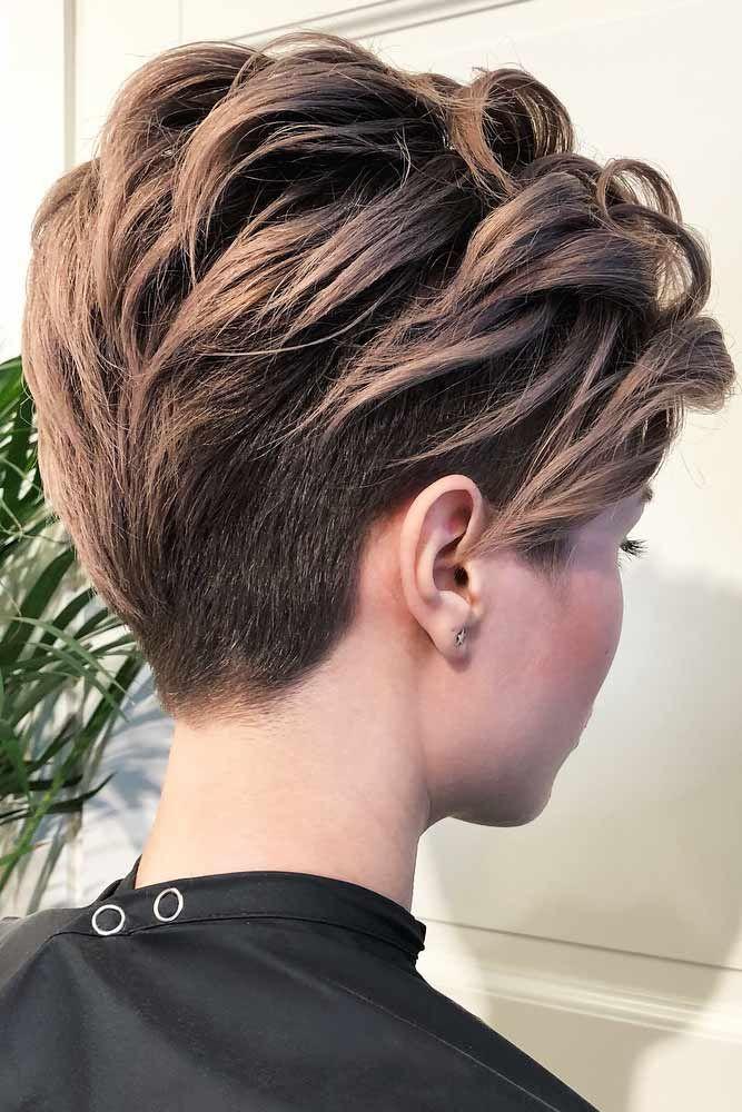 Women all over the globe are trying to deal with the question how to style short hair for a while now. We suggest to your attention a selection of the best and trendiest ways to style your hair with the…