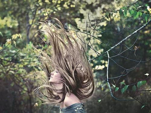 Idée Coiffure :    Description   blond-cendré-nature-femme-blouse-verte-manches-tombantes-cheveux-raids-longs-coloration-naturelle-nuance-châtain-foncé-et-clair      madame.tn/beaute/coiffure/idee-coiffure-blond-cendre-natu…  Posté par madame_shopping  sur 2018-01-11 16:07:42      Tagged:    …