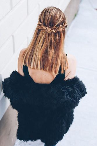 Idée Coiffure :    Description   [ Cheveux nº2 ] : C'Est Pour Moi Ça !      madame.tn/beaute/coiffure/idee-coiffure-cheveux-no2-cest-…  Posté par madame_shopping  sur 2017-10-21 21:26:40      Tagged:    …