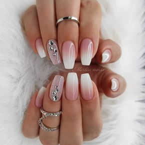 Pink And White Nails Provide organic texture to protect your health and Provide You Hotting colors optional, suitable for all occasions.