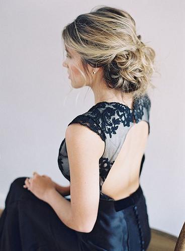 Coiffure De Mariage   Description   Featured photographer: Jessica Lorren Photography      flashmode.be/coiffure-de-mariage-featured-photographer-je…  Posté par flashmode.be  sur 2018-05-30 18:48:16      Tagged:    …