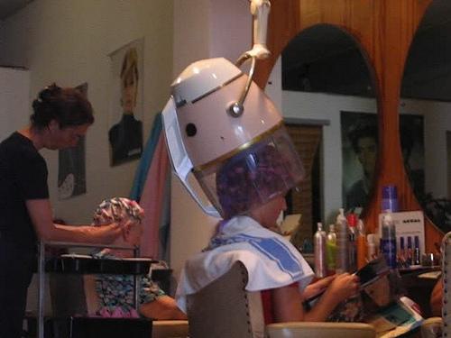 Posté par maritimo1960  sur 2012-06-02 17:38:40      Tagged:  , Friseur , hairdresser , coiffure , peluqueria , kapsalon , fryzjer   …