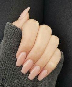 naked manucure parfaite pour tous les jours Manucure nude et vernis à ongles naturels #nude #vernis #nailart #beige #ongles Source by ameliefischer   …