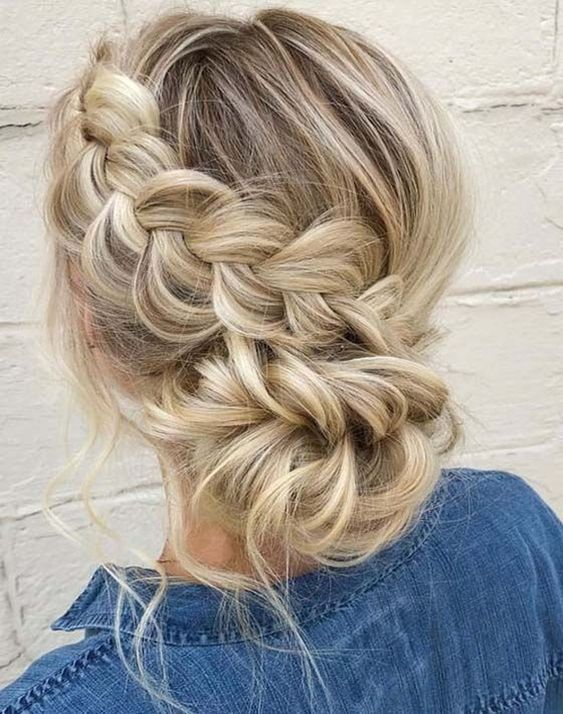 Adorable side braided hair Source by nandiangel   …