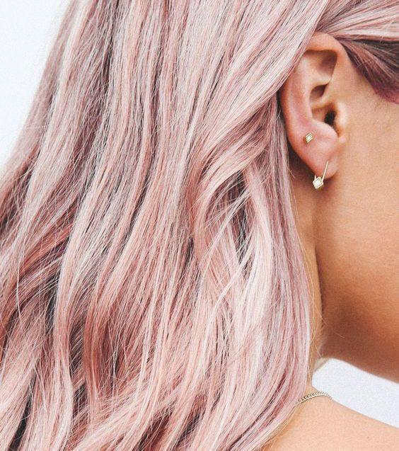 On adore l'effet nacré du champagne rose avec la peau bronzée Source by belavaldes   …