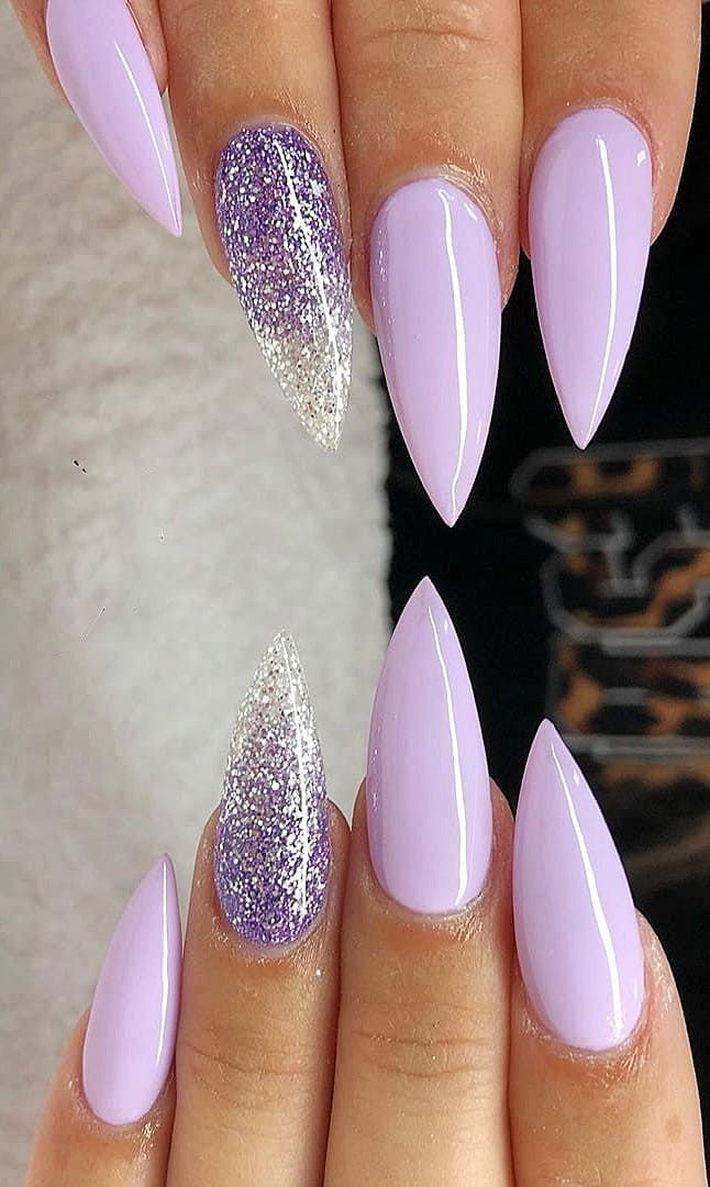 If you like flashy nails, you should check out our thumbnail gallery We are sure of the acrylic nails in oval, square, stiletto and almond shapes, and a few of them will bleed your taste. These acrylic nails in yellow,…