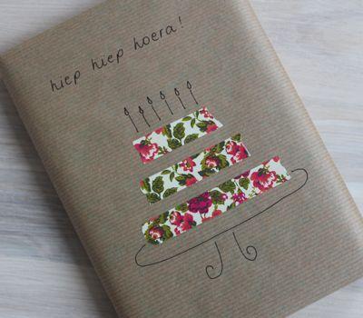 Inpaktips; 39 creatieve tips om grote en kleine cadeautjes leuk in te pakken. Met behulp van diverse materialen voor originele verpakkingen. Voor sinterklaas, mama voor moederdag en andere volwassenen Source by houtenbali   …