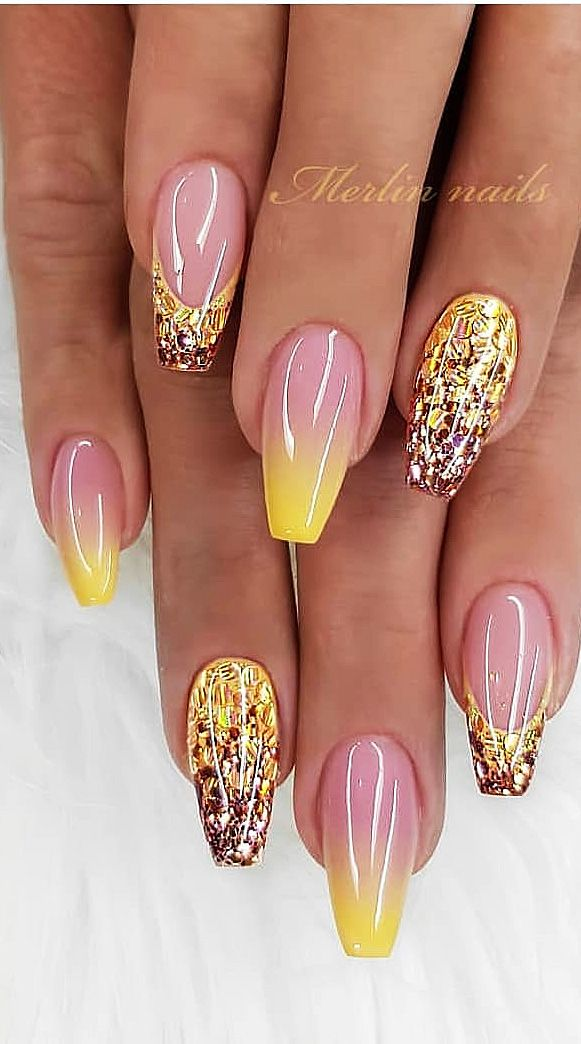Hello, ladies who are fond of nails. Want to look at new nail design ideas? We find the best nail art pictures for you. You can find the best of acrylic, matte, polished, glossy, coffin and French nail designs on…