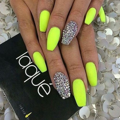 24+ Spring and Summer Nails and Colors For 2019 – Inspired Beauty Source by nienkelassche   …