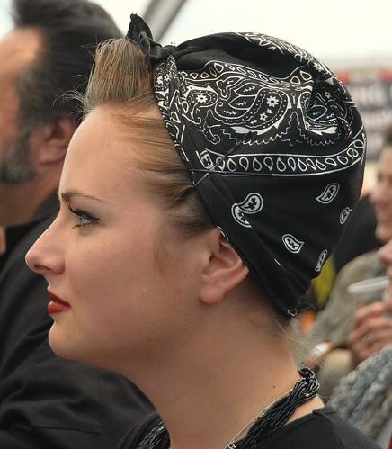 Posté par sedentp  sur 2016-02-06 19:27:03      Tagged:  , visage , femme , bandeau , coiffure   …