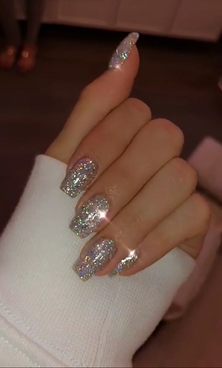 Gorgeous 49 Ways to Putting Glitter for Nail Polish Idea 99outfit.com/…
