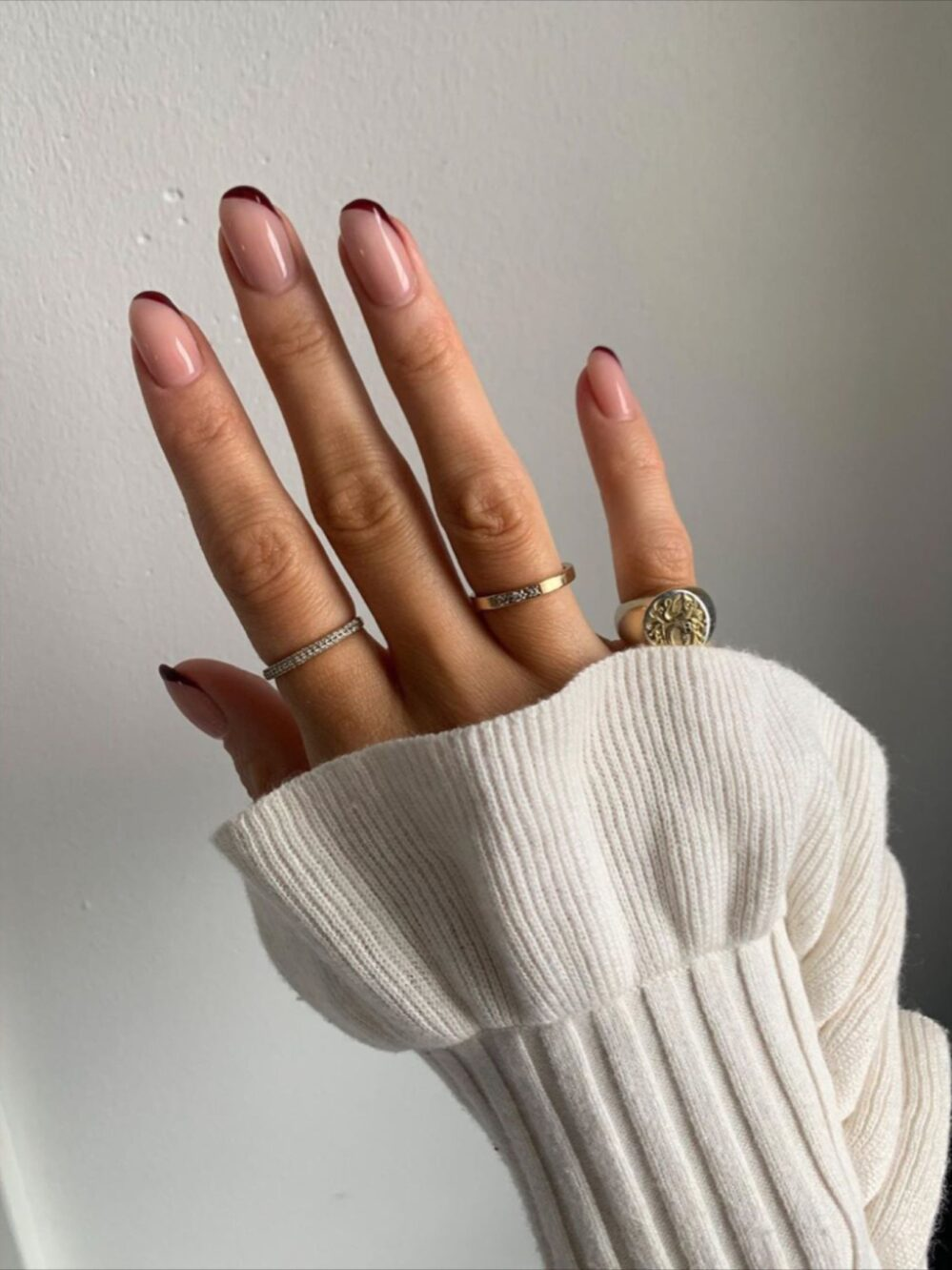 [ad_1]  @_tinamaria, nails, nail polish, manicure, pedicure, nail art, nail pictures, winter style, winter trends, winter fashion Source by halloo88 [ad_2]  …